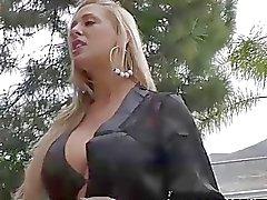 Cherie DeVille genießt Frankfurter Allgemeine Hahnrei Sitzungen