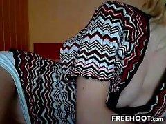 shenleex amateur se doigte sur webcam en direct