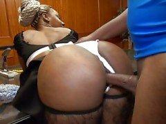 Femme de chambre noire
