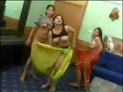 Facebook - Jeunes Arabes dansent с Poil Даны ипе видео в странное