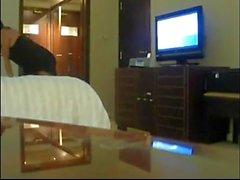 WIth SOUND-Naughty Wife tratando de seducir hotel boy