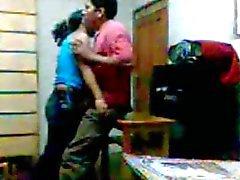 Câmara oculta Beijando o indiana