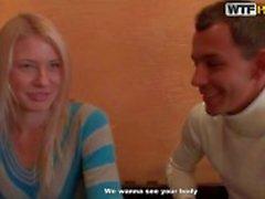 Jeunes amateur blond Iry repris de sexe en public