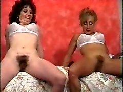 Retro haarige Pussy Frau Geschlechtsspielzeug