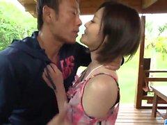 Große Outdoor-Pornoszenen entlang heiße Frau, Minami Asano