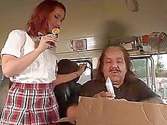 Geile jugend Redhead lernt ist zum kotzen Busfahrer Lutscher