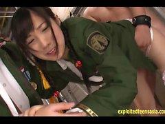 Interrogazione dell'esercito di Miyazawa Azuki Eikawa punisce il prigioniero