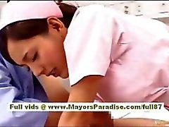 LSV Yoshizaki Sexy Chinese Mädchen genießt für ein dem Bus