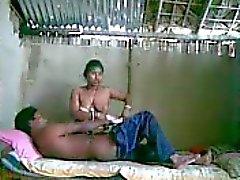 spionage mijn Indische meid met haar vriend