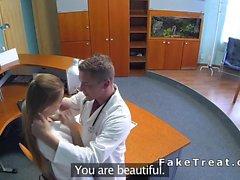 Krankenschwester bumst Arzt der Sicherheit Nocken