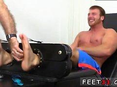 Jeune fille de sexe anal