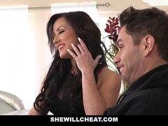 SheWillCheat - Hot fru fusk med män Partner