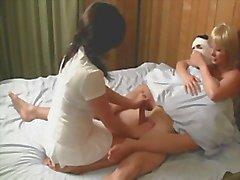 Verpleegkundigen de cum uit Patient hem te kalmeren