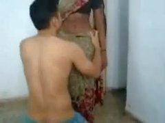 Leckte Kaamwali Bai meena Nabel
