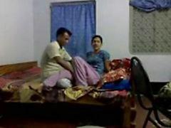 bangladeshi opettajana seksiskandaalista panna Intia