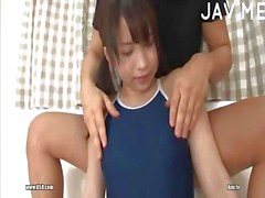 Детка в купальном костюме добываемые