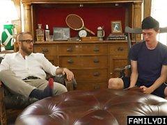 FamilyDick - söt äldre pappa dyker virgin boys cherry