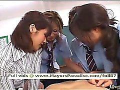 Muchacha sistema de pesos americano japonesa en uniforme del colegio orgy incondicional