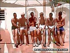 Hot liten show Guys Knulla Outside