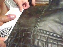 Сперма о винтаж кожаном байкерской жакета