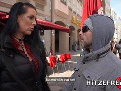 HITZEFREI Blond tysk babe Helena Moeller borrade djupt