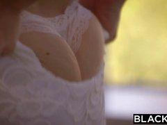 Ingwer Babe Kimberly Brix versucht ihre erste BBC Interracial Pornos