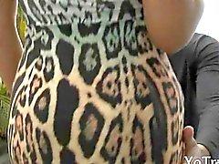 Shemale желает его более глубоким ее задница