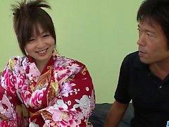 Nozomi Hazuki стонет тяжело, трахаясь в хардкоре