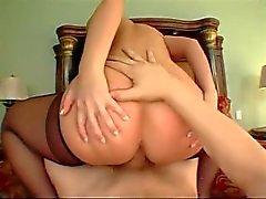 Big Young Buns P.O.V Scène 5 (Luscious Lopez)