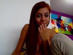 Nenäkäs punatukkaisia tytön moans aikana hieroen kusipää kanssa vi