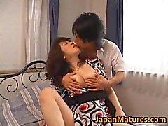 BFI Nakatas japanisch fällige Dame in Eingriff