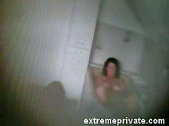 Моей маме аппликатура на ванной прижился камеры шпионом