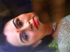 Зрелая телка Padmini Kolhapure Cummed