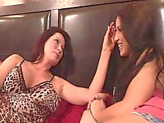Finger Lickin Girlfriends 02 - scen tre