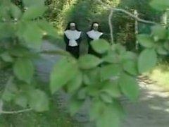 лесбиянка монахинь