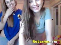 lesbica ragazzi stripping e leccare tette su webcam