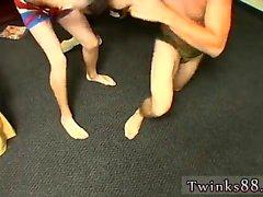 Alman genç erotik gay seks pix Kelly & Grant - Undie Wrestle