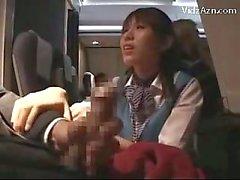 Stewardes Watching Comment Jerking pour passager Giving Branlette Fellation dans l'avion