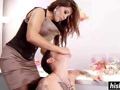 Strap-on drilling with Francesca Le and Dollie Darko