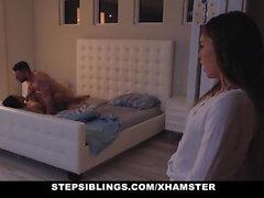Stief - Cute Stepsis Verführt von Stepbro in Badezimmer