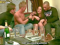 Tre ragazzi che ubriachi cazzo a sexy chick di Natalie