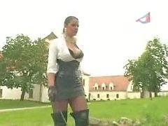 Lady tem seu escravo punido