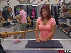 Riesentitten Frau ihre Baseballschläger Verkauf