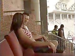 Sexo en publico en un estadio fútbol