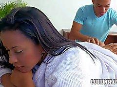 Voluptuosa de Carolina de Latina con sus Grandes Culos masajes