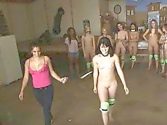 La universidad hermandad de mujeres Promesas Getting subastó desnuda