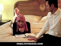 FamilyStrokes - pakistanska fru rider kuk i Hijab