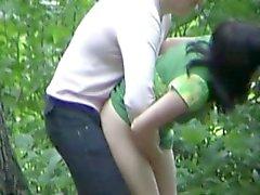 Fidanzata catturato cazzo nella foresta