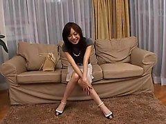 seksi bacaklar ile büyüleyici Japon hatun bir yağ horoz zekâ sütler