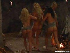 Lezbiyen Mistress tarafından Şanti Ve spanked curvy Chicks